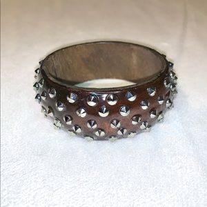 ⭐️2/$12 Brown CHUNKY Bangle with spikes